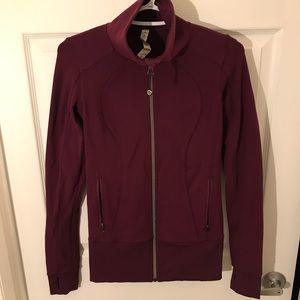 ✨Like New✨ Lululemon Zip Up in Plum